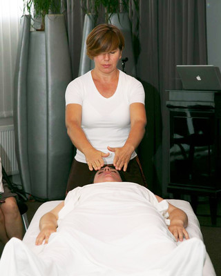 Испанский массаж в бане. Массаж ног. Наталья Маслова